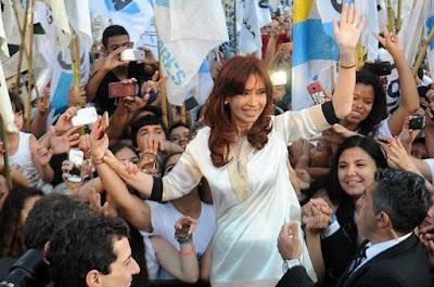 Dos encuestas dan como resultado que Cristina le gana tanto a Mauricio Macri como a María Euegenia Vidal, en primera vuelta y en un eventual balotaje, en la elección presidencial de 2019