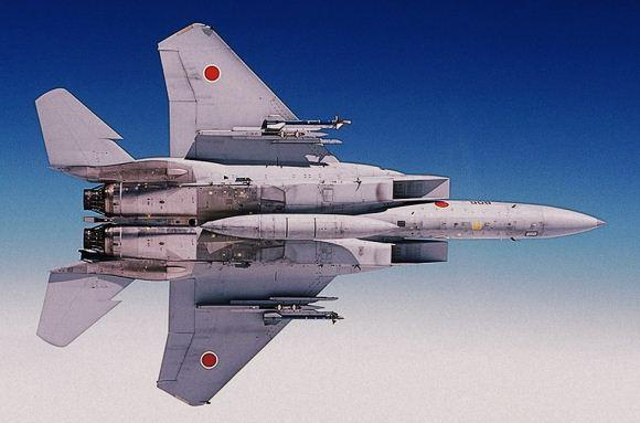 F-15 Jepang