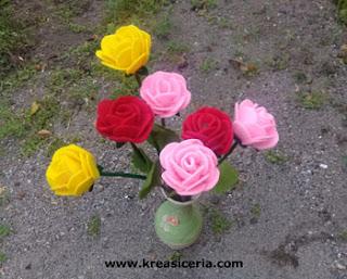 Ide Kreatif Membuat Bunga Mawar dari Kain Flanel Versi Baru
