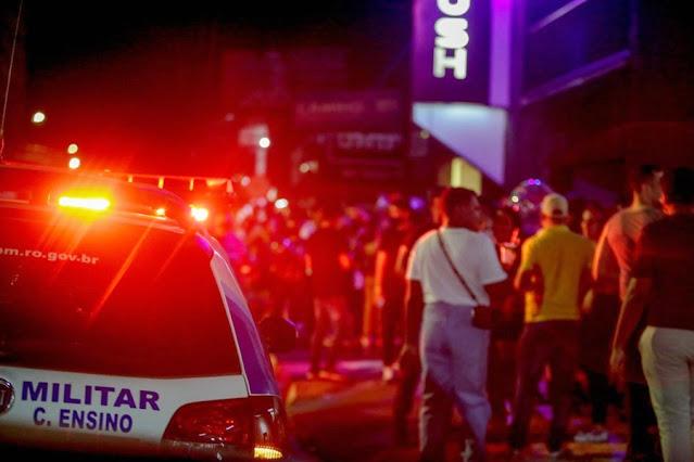 Boate sem alvará é fechada com centenas de jovens sem máscaras em Porto Velho