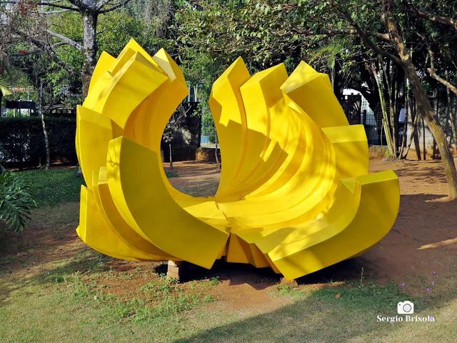 Close-up da Escultura Zíper Concha - Cinemateca Brasileira - São Paulo