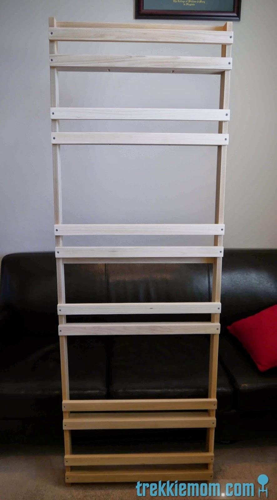 Trekkie Mom: Flat Book Shelf How-to