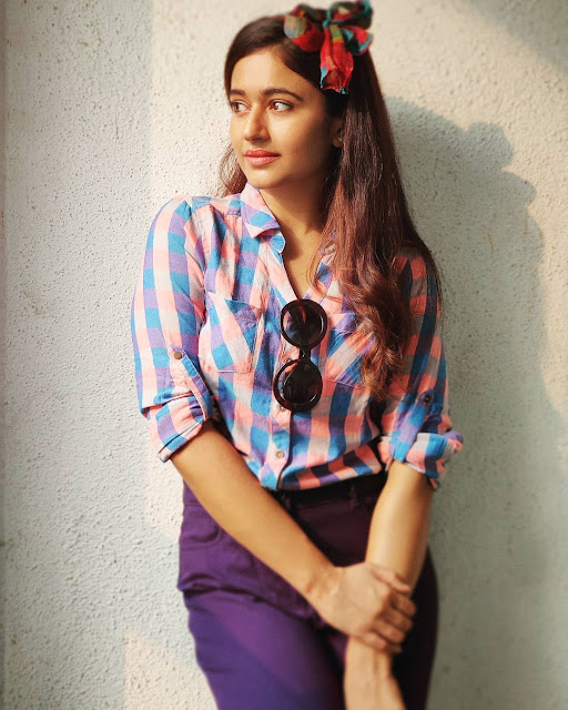 Poonam Bajwa (Indian Actress) Wiki, Age, Height, Family, Career, Awards, and Many More...