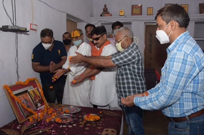 राष्ट्रीय स्वाभिमान, शक्ति, स्वाधीनता, संपन्नता के प्रतीक थे महाराणा प्रताप और राजा छत्रसाल : स्वामी मुरारीदास