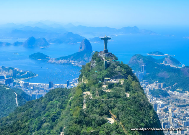 Cristo and Sugarloaf helicopter view