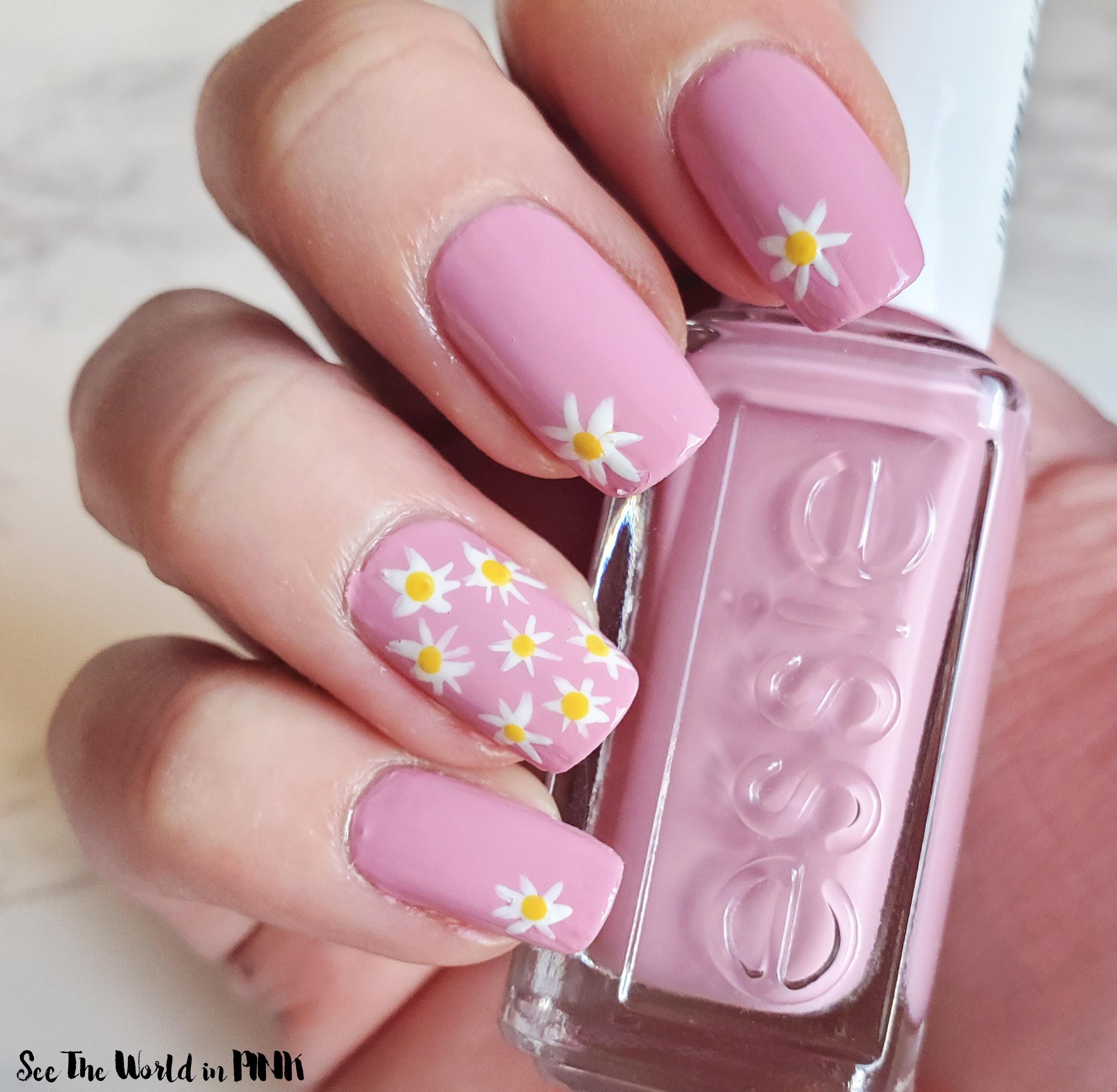 Manicure Monday - Mini Daisy Nails