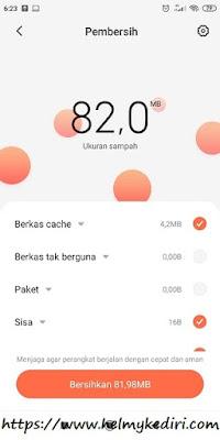 Menggunakan aplikasi cleaner