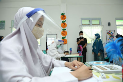 SMA dan SMK di Riau Mulai Sekolah Tatap Muka Terbatas, Ini Penjelasannya