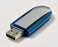 PERBEDAAN SYSTEM FAT32 DAN NTFS