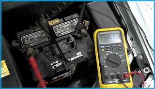 salah satu bagian penting yang ada pada kendaraan bermotor ialah Aki atau accumulator Kerusakan Yang Sering Terjadi Pada Aki Mobil