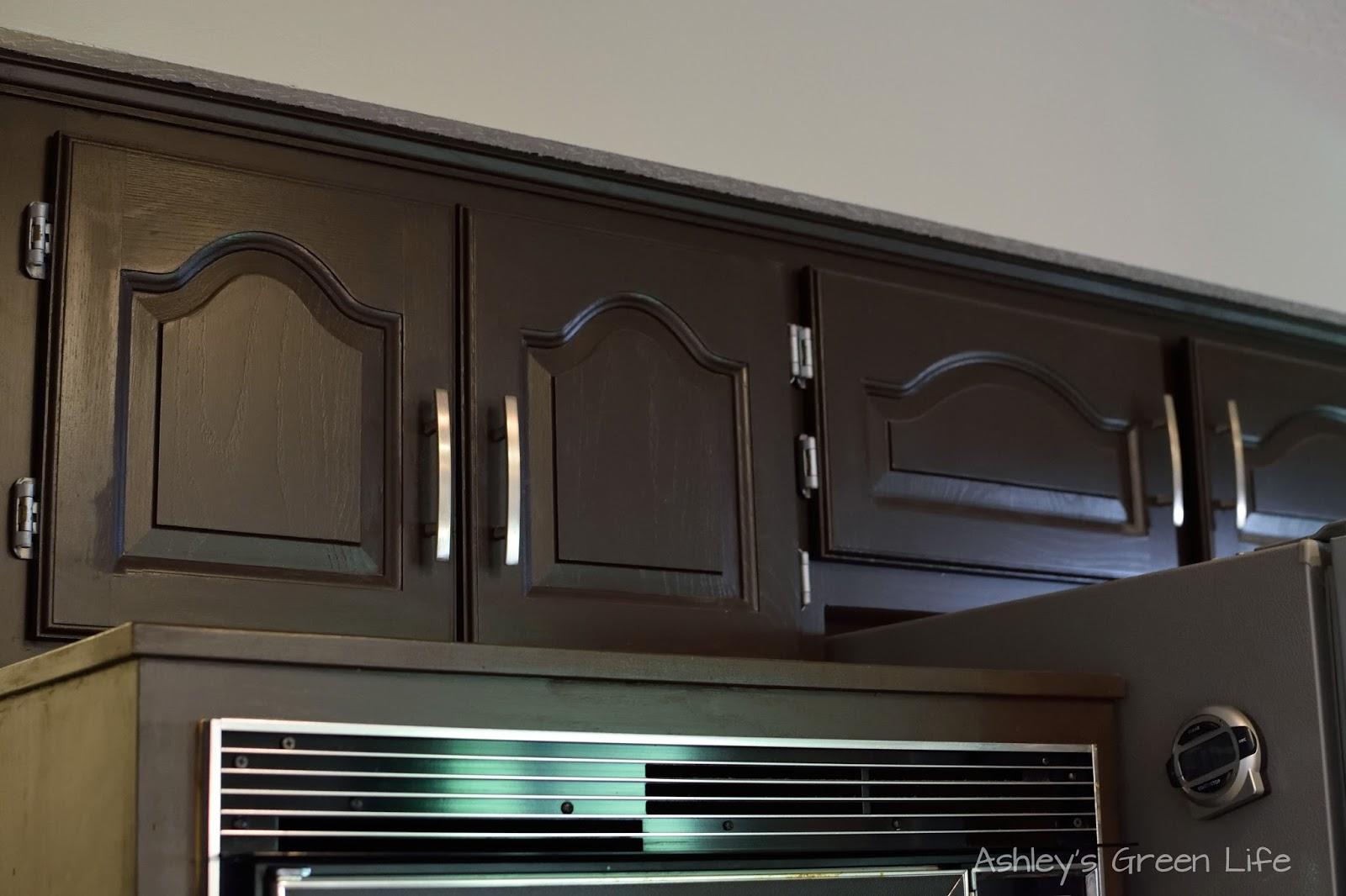 Http Www Ashleysgreenlife Com 2016 07 Rustoleum Kitchen Cabinet Update Touch Html