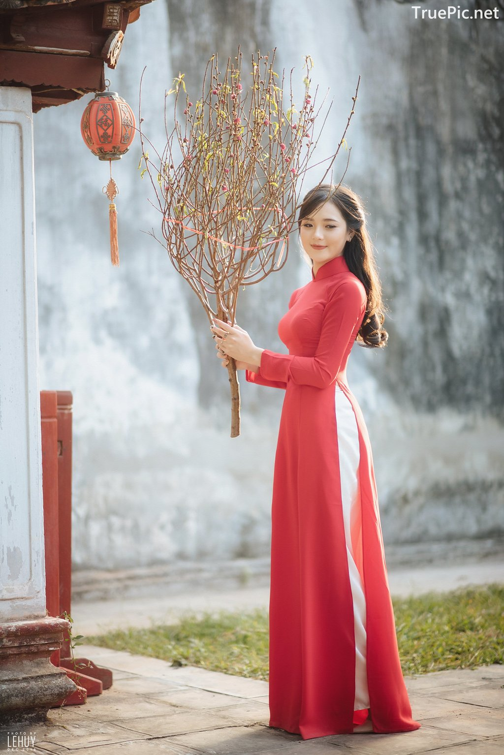 Image-Vietnamese-Model-Beautiful-Girl-and-Ao-Dai-Red-Vietnamese-Traditional-Dress-TruePic.net- Picture-10