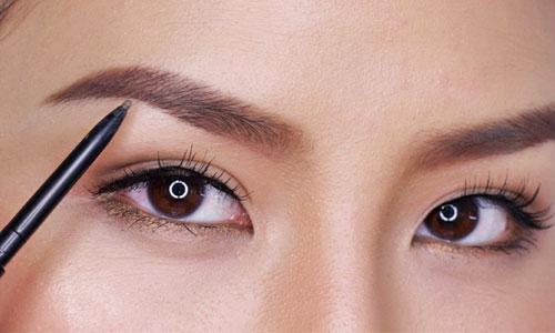 Maquillaje natural para cejas