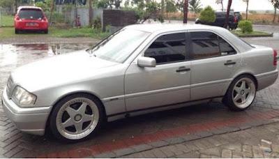 harga mobil bekas mercedes benz-c class