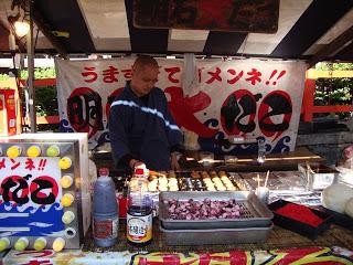 la bancarella dove vendono i takoyaki