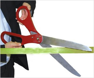 Furious Pinay Wife Used A Pair Of Scissors To Cut Off Her Husband's Penis After Being Caught Womanizing!