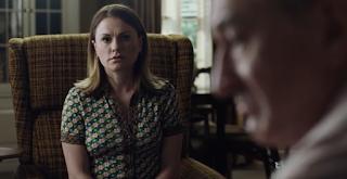 La actriz Anna Paquin en una escena de la película El irlandés