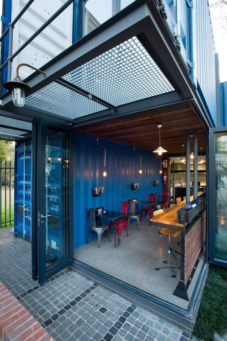05-Counter-and-Table-Seating-Earthworld-Architects-Sustainable-Architecture-Shipping-Containers-Coffee-Shop-www-designstack-co
