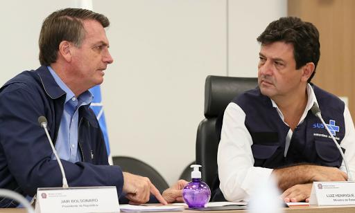 Após manter entendimento da necessidade da quarentena, o Ministro da saúde Henrique Mandetta anuncia a equipe que será demitido por Bolsonaro