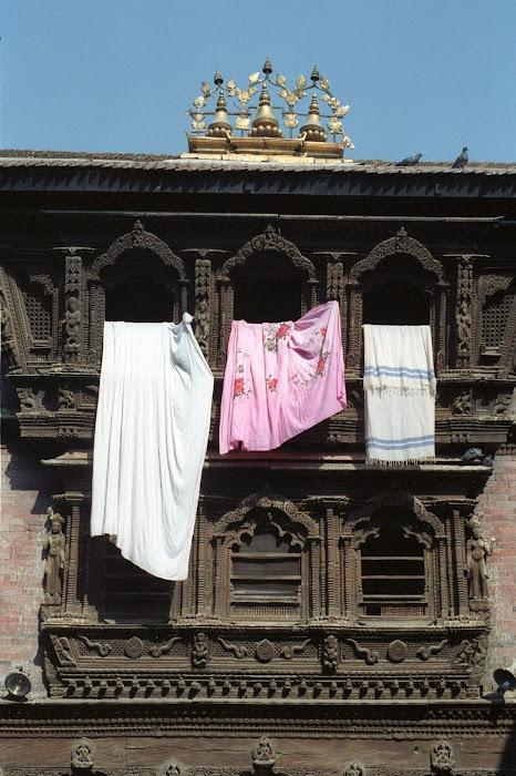 Népal, Katmandou, Kumari Bahal, © L. Gigout, 1990