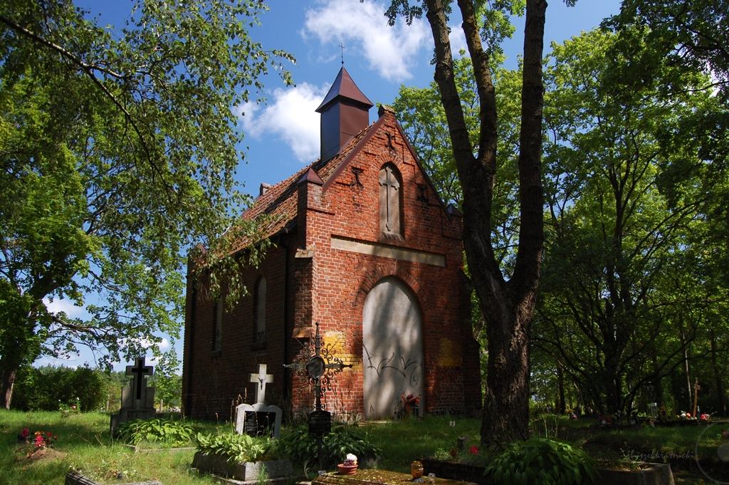 Olsztyn | Cmentarz, kapliczka i stary kościół pw. Matki Boskiej Różańcowej na olsztyńskich Dajtkach