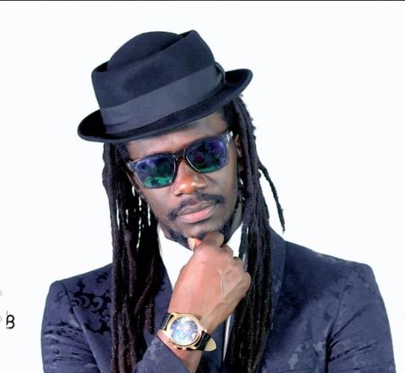 CARLOU D : Musique, artiste, chanteur, rappeur, danse, mbalax, divertissement, loisir, LEUKSENEGAL, Dakar, Sénégal, Afrique