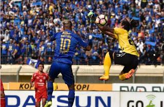 Persib Bandung vs Semen Padang FC Imbang 2-2