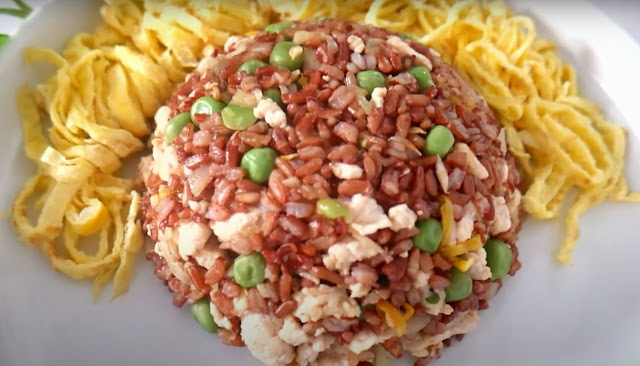 Menu Sarapan Sehat Untuk Menurunkan Berat Badan Yaitu, Nasi Merah Goreng Tinggi Protein Rendah Kalori