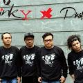 Lirik Lagu Stinky - Aku dan Dia feat. Prattyoda