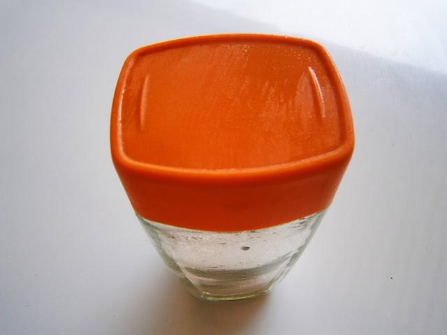 fotografía de Deposito de sal para sazonar comidas