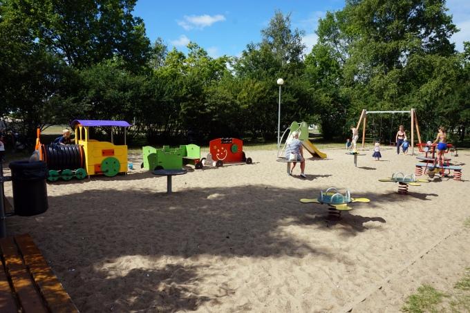 Tallinnan leikkipaikat / Stroomin uimaranta lasten kanssa
