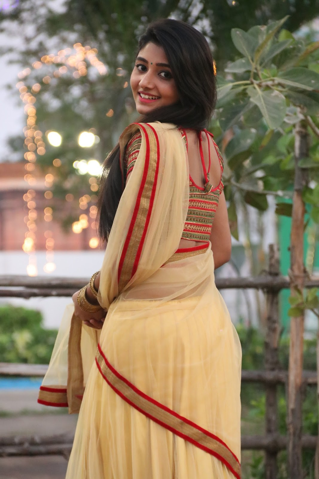aditi menon new sizzling half saree stills-HQ-Photo-5