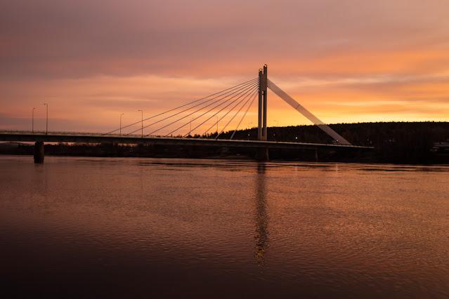 Sunrise at Jätkänkynttilä bridge-Rovaniemi