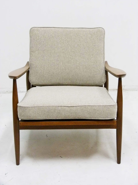 hans Wegner Style Lounge Chair GE-270 Front