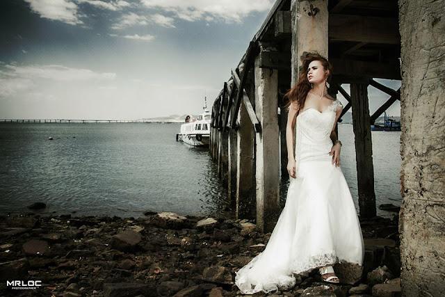 Chiếc váy dạ hội với tôi ở bãi biển