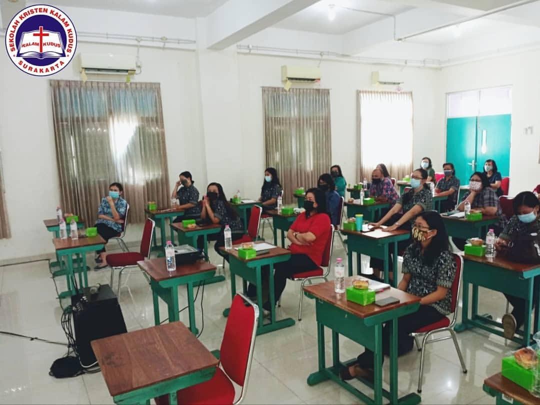 Pertemuan MGMP Bahasa Inggris SKKK Surakarta