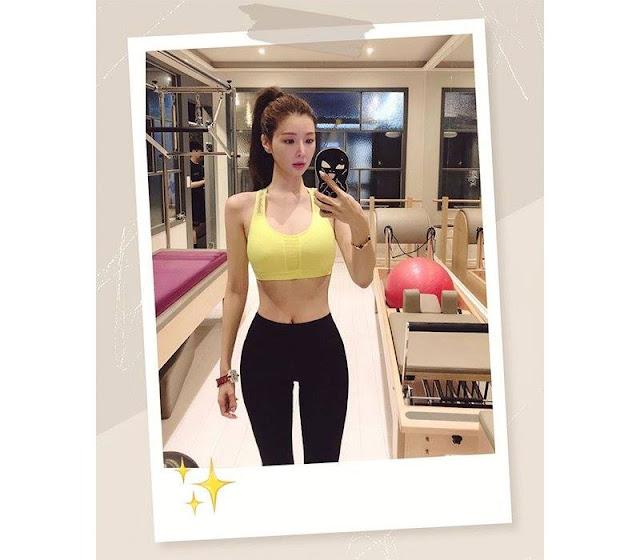 Vóc dáng nhỏ nhắn nhưng vòng 1 lại tràn trề sức sống, nữ blogger Hàn sở hữu lượng fans khủng