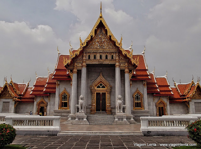 Mármore branco no Wat Benchamabophit, em Bangkok