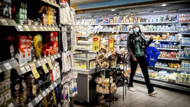 هولندا.. بلدية هولندية تلزم امرأة بدفع غرامة كبيرة لتلقيها مواد تموينية من والدتها والنواب غاضبون
