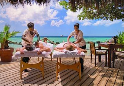 Getting Traditional Massage on the Beach