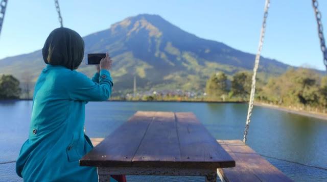 Embung Kledung Temanggung, bisa Camping dan kasih makan ikan