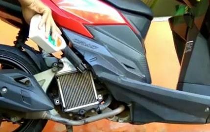 6 Merk Air Radiator Coolant Terbaik Untuk Motor
