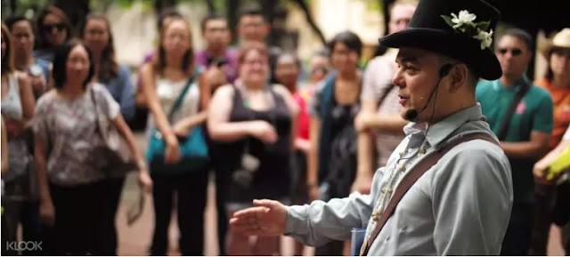 Walk This Way Intramuros Tour with Carlos Celdran