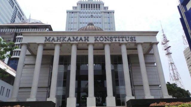 Gugat Hasil Pilpres, Pengacara Prabowo-Sandi Cuma 8 Orang VS 20 Kuasa Hukum KPU dan 36 Jokowi-Ma'ruf