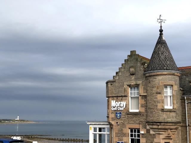 Moray Golf Club meren rannassa, Skotlanti