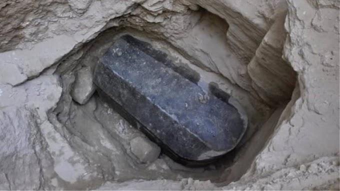 Μυστήριο στην Αίγυπτο :Σαρκοφάγος της εποχής των Πτολεμαίων από γρανίτη
