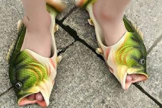 10 Potret Sandal Jerpit  Paling Unik ,Bikin Senyum Sendiri