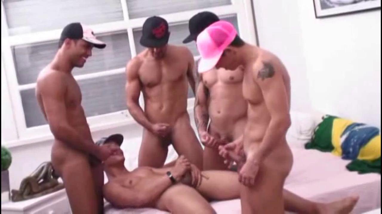 Sexo gay Orgia - Fernando Albuquerque e os dotados na suruba 4