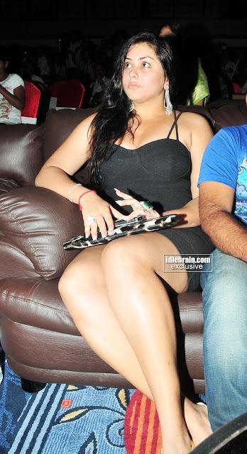 Tamil Actress Namitha Hot Sexy Photos Showing Boobs And Legs