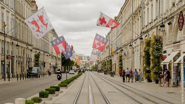 Orleans viaje Francia en coche roadtrip turismo que ver imprescindible Loira Bretaña Normandia